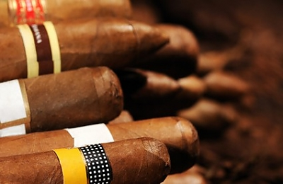 iStock_000008033757-cigars-croper